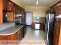 ZONA 15 Alquilo Apartamento en Botticelli de 300 metros + 4 Parqueos