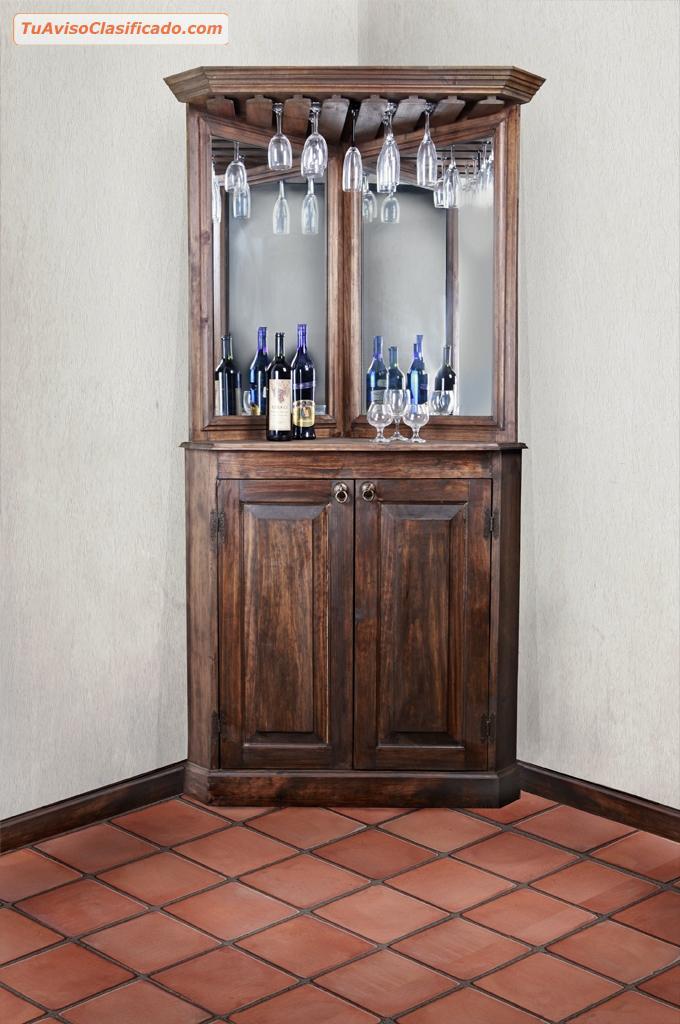 Mobiliario y equipamiento en for Bar madera esquinero